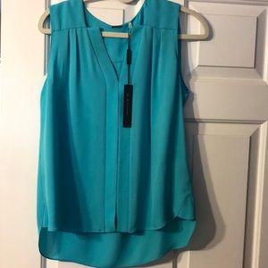 Beautiful Elie Tahiti's sleeveless blouse